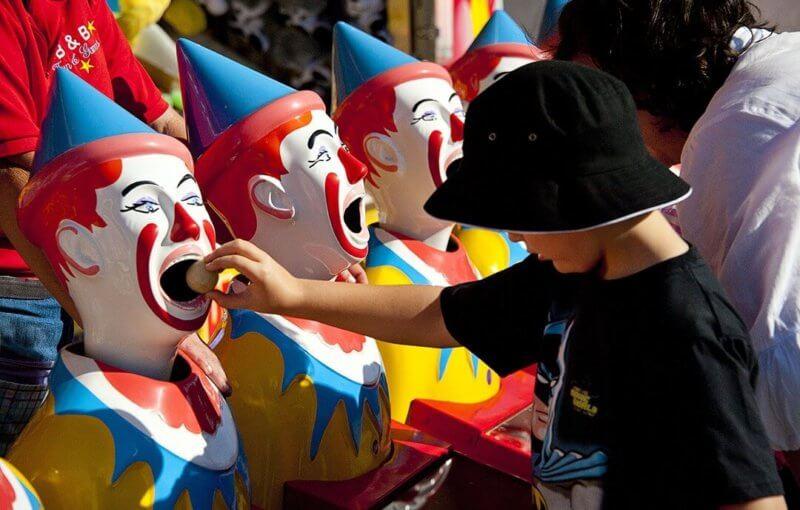 ケアンズショーで遊ぶ子供